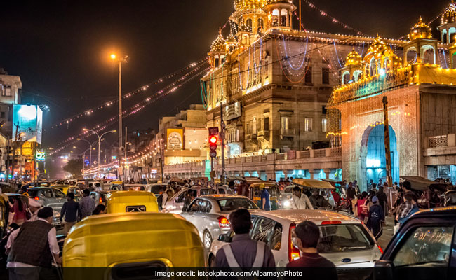 Top Court Modifies Delhi Court Order On Chandni Chowk Encroachments