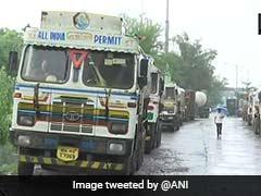 ट्रक ऑपरेटरों की हड़ताल का दूसरा दिन, लोगों को हो रही है दिक्कत