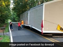 Somebody Left A House In The Middle Of A Road And Everyone Is Baffled
