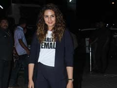 Huma Qureshi Continues The Pantsuit Trend With Her Casually Cool Version