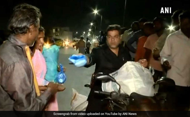 Hyderabad Man Serves Food To The Underprivileged Daily, Wins Hearts