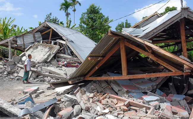 Fresh 6.9-Magnitude Earthquake Hits Indonesia's Lombok