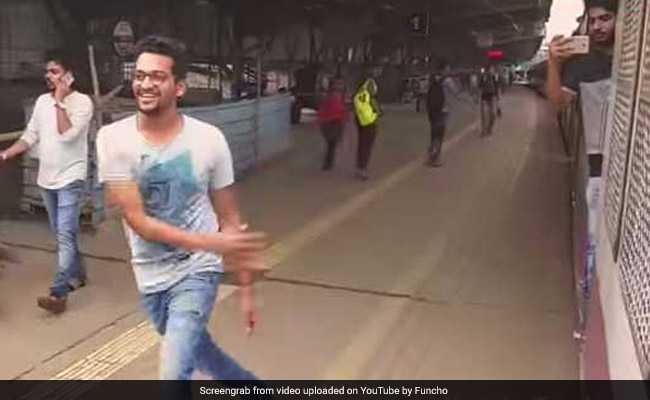 किकी चैलेंज पड़ा महंगा, कोर्ट ने तीन लोगों को सुनाई रेलवे स्टेशन साफ करने की सजा
