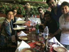 What Lunch On The <i>Brahmastra</i> Set Looks Like, With Alia Bhatt, Ranbir Kapoor, Dimple Kapadia And Amitabh Bachchan