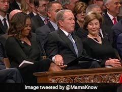 मुस्कुरा उठा ट्विटर, जब जॉर्ज बुश ने मिशेल ओबामा को दी टॉफी...