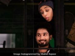 <i>Batti Gul Meter Chalu</i> New Poster: Shahid  Kapoor Reminds Fans Of Trailer's Release Date