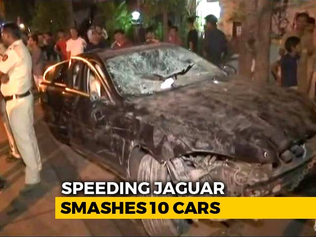 Video : Speeding Jaguar Hits 10 Cars In Mumbai, Children Among Injured