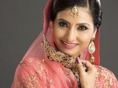 Karva Chauth 2019: करवा चौथ के दिन इन 16 शृंगार से सजती हैं शादीशुदा महिलाएं