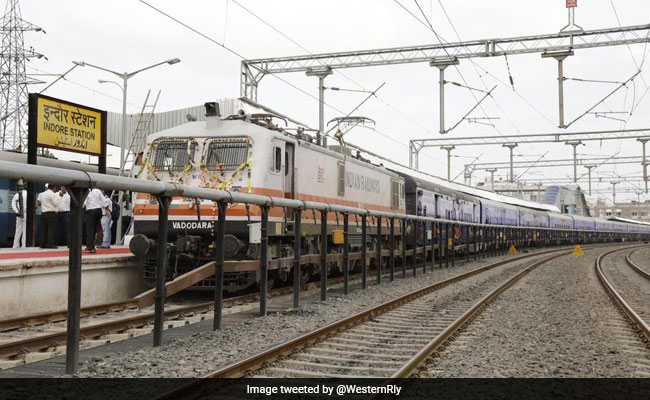 Indore-Veraval Mahamana Express Train Flagged Off In Madhya Pradesh