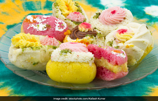 A Slice Of Bengal In Delhi: 4 Places In CR Park Market For Delectable Bengali Sweets