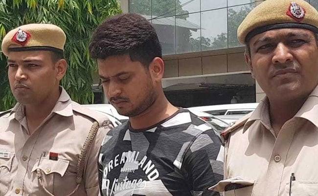 दिल्ली पुलिस ने नौकरी के बहाने ठगी करने वाले 'बंटी बबली' को किया गिरफ्तार