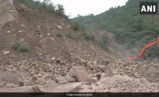 Jammu-Srinagar Highway Closed For Day 2 After Major Landslide