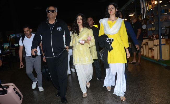 Twinning In Yellow, Janhvi and Khushi Kapoor Set Sibling Style Goals