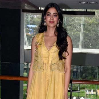 Janhvi Kapoor's Love For Indian Garments Shines Through During <i>Dhadak</i> Promotions