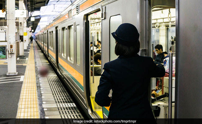 Once Again, Japan Train Leaves 25 Seconds Early. Yes, An Apology Followed
