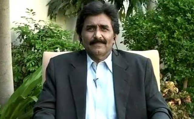 former stalwart Javed Miandad demands such a sever punishment for spot fixers