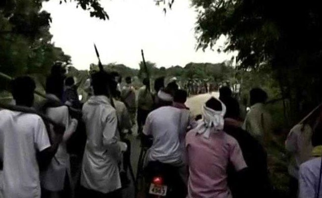 Jharkhand Village Resists Search For Abducted Cops, Man Dies In Clashes