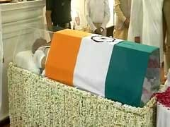 Atal Bihari Vajpayee Funeral: Hundreds Queue Up To Pay Their Tributes