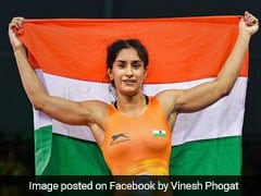 Asian Games 2018 Day 2 Live Updates: Wrestler Vinesh Phogat Wins India