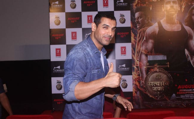 Akshay Kumar's Gold Vs Satyamev Jayate At The Box Office, But John Abraham Isn't Deterred