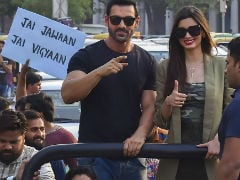 John Abraham And Diana Penty Ditch Delhi Mall For 'Parmanu Pride Parade'