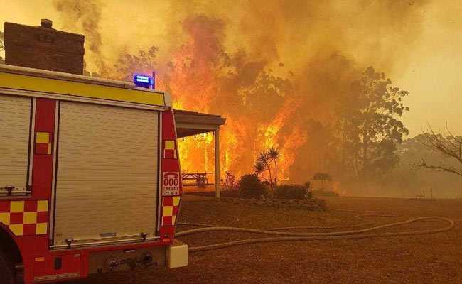 Aircraft Crash Kills Waterbomber Pilot Fighting Australian Wildfires