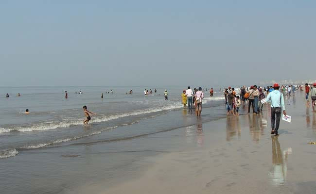 4 Feared Drowned Off Mumbai's Juhu Beach, Search On