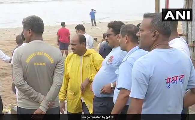 3 Boys Drown Off Mumbai's Juhu Beach, Navy Choppers Look For Fourth
