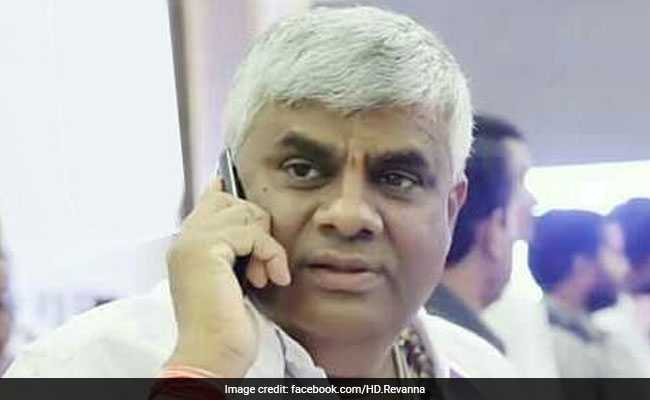 Karnataka Chief Minister's Political Secretary Offered Bribe To JDS Councillor: Ex-Minister