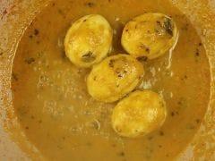 Shahi Egg Curry