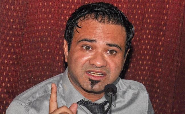 गोरखपुर : डॉ. कफील खान को फिर किया गया गिरफ्तार, कल ही बहराइच से हुए थे रिहा