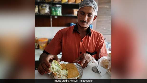 khakra sandwich at ajnabi