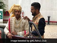 KL Rahul Shows Off Style At This Cricketer