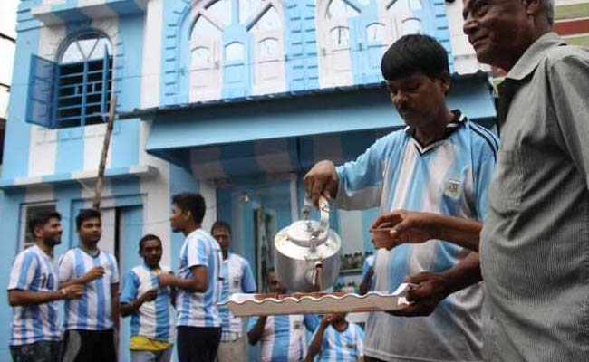 For Love Of Messi. Kolkata Tea-Seller Paints Home In Argentina Colours