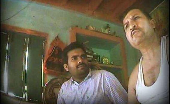 हापुड़ मॉब लिन्चिंग : कई राजनीतिक दलों ने आरोपी की तत्काल गिरफ्तारी की मांग उठाई