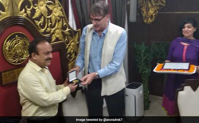 Delhi's Health Official Wins WHO Award On Tobacco Control Initiative