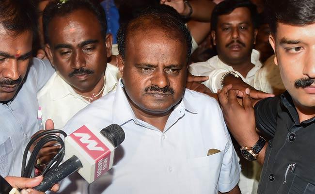 To Change Rajinikanth's Mind On Cauvery, Kumaraswamy Sends An Invite