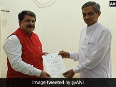 Senior Gujarat Congress Leader Kunwarji Bavaliya Resigns, Joins BJP