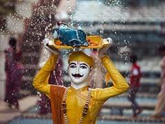 Krishna Janmashtami पर इन मैसेजेस से दें कान्हा जी के जन्मदिन की बधाई