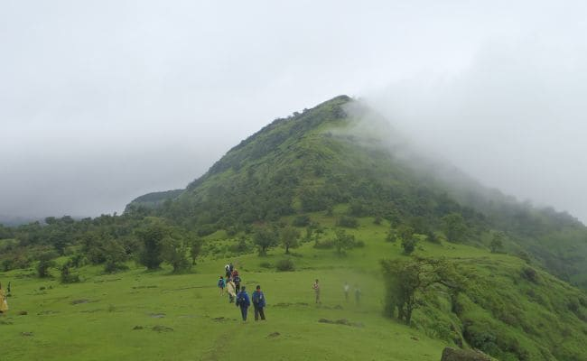 4 Gorgeous Treks In Maharashtra That Are Monsoon Perfect