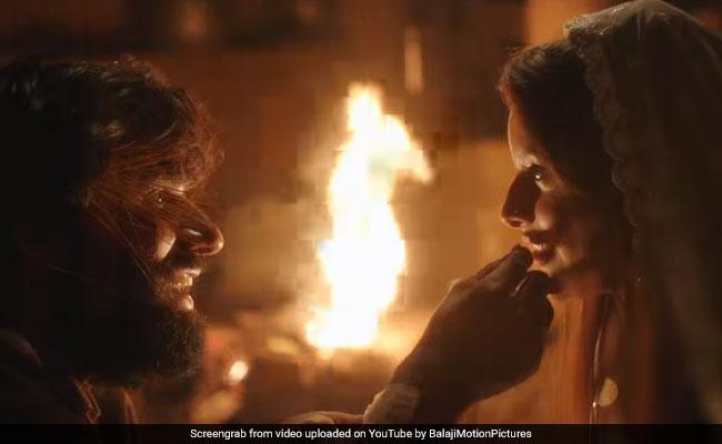 Laila Majnu Teaser: हसीन वादियों के बीच प्यार में पागल दिखे 'लैला-मजनू', टीजर हुआ रिलीज