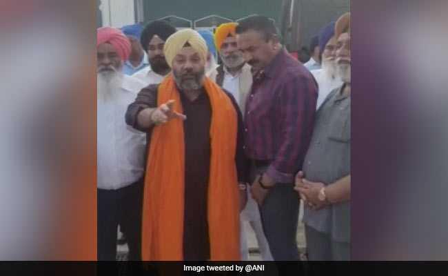 अकाली दल के नेता और दिल्ली सिख गुरुद्वारा प्रबंधन समिति के सदस्य मनजीत सिंह पर कैलिफोर्निया में हमला, देखें VIDEO