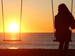 अकेलापन महसूस करते हैं तो जल्द हो सकती है मौत, होती हैं ऐसी बीमारियां