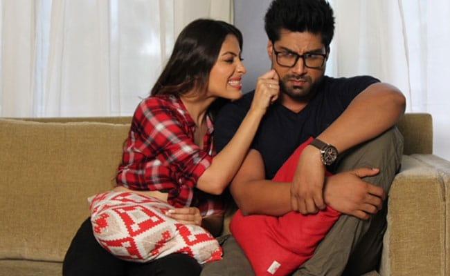 रिलेशनशिप पर है फिल्म 'लव अलर्ट', मुंबई में नहीं यहां होगी फिल्म की शूटिंग