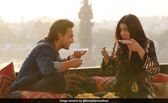 Loveratri Teaser: नवरात्रि पर मनेगा 'लवरात्रि' का जश्न, कुछ यूं गरबा करते दिखी डेब्यू जोड़ी
