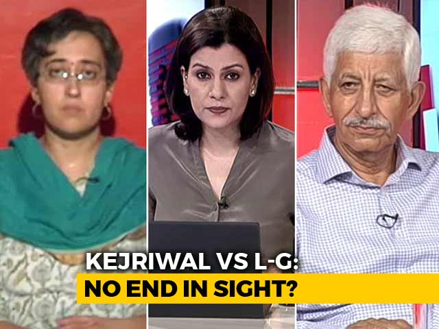 Video : Bureaucrats' Protest Against Delhi Government Justified?