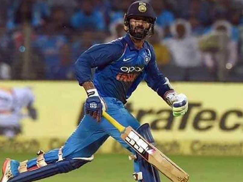 दिनेश कार्तिक के अलावा ये बल्लेबाज आखिरी गेंद पर 6 जड़कर अपनी टीम को दिला चुके जीत
