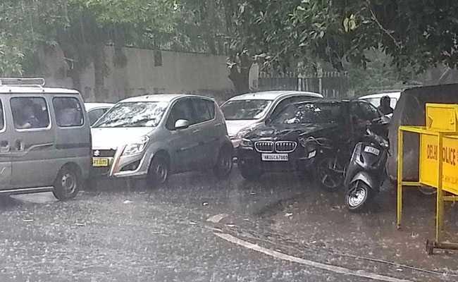 Heavy Rain Lashes Delhi; Waterlogging, Traffic Jams In Several Areas