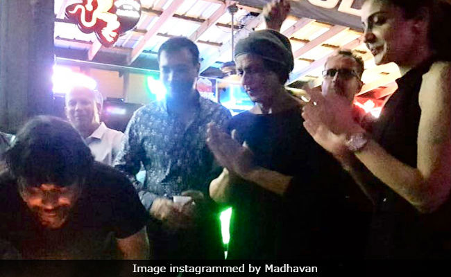 Madhavan Celebrates Birthday With Shah Rukh Khan And Anushka Sharma On The Sets Of Zero. See Pics