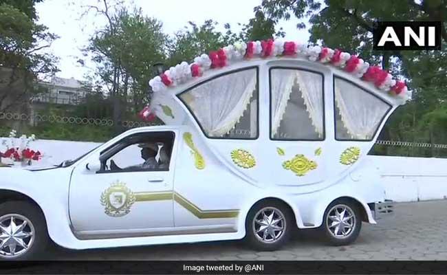 इस शख्स ने रॉयल रॉयस को बनाया 'शाही वेडिंग कार', जानें क्या होगी एक रात की कीमत